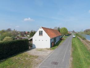 Deze rustig gelegen landelijke woning heeft alles om één van de meeste exclusieve eigendommen van Aalter te worden. Gelegen langs het ka
