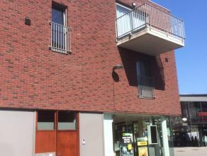 Modern & energiezuinig appartement gelegen in het centrum van Tessenderlo.Indeling:* Inkomhall met vestiaire* Apart gastentoilet* Ruime berging /