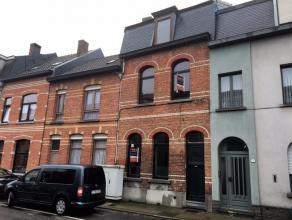 Mooie en ruime woning nabij het centrum van Sint-Niklaas.Inkom, slaapkamer, keuken, living met veel lichtinval, wasplaats, groot terras en ruime tuin