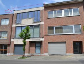 A proximité du quartier Saint-Job, jolie maison bel-étage de 175m² composée comme suit: Hall d'entrée avec wc invit&e