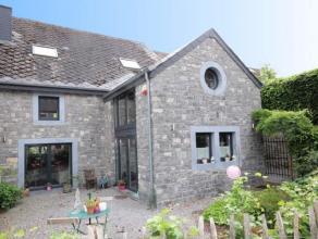 Au coeur du village de Wéris, charmante maison en pierres du pays rénovée en 2007, comprenant séjour, cuisine éq.,