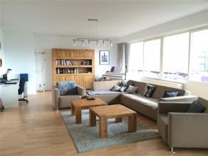 Ruim appartement te koop in het centrum van Hasselt! Midden in de Tweetorenwijk te Hasselt staat dit ruim appartement te koop. Winkels, scholen, openb