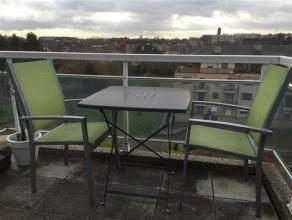 Prachtig duplex-appartement (zeer ruimtelijk en met veel lichtinval) met 2 terrassen (voor én achterzijde gebouw), ondergrondse garagebox en fi