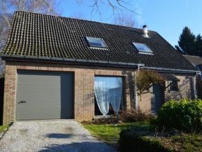 A la limite de Rixensart, dans un quartier résidentiel, une charmante maison 4 façades en excellent état locatif! Elle offre une