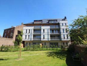 Situé dans le centre historique de Namur, à côté de l'Elysette, à deux pas de la Citadelle et du site du Grognon, ce