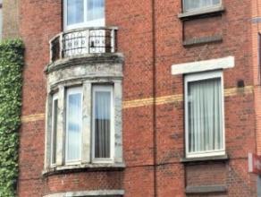 VERKOCHT IN OPTIE Karaktervolle zeer ruime woning! Momenteel bestaande uit twee appartementen en met veel mogelijkheden; omvorming tot kangoeroewoning