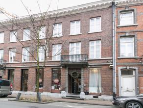 Deze gerenoveerde opbrengsteigendom met handelspand vinden we terug in het commerciële hart van Hasselt meer bepaald in de Aldestraat 48.<br /> D