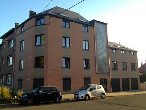 Dans une résidence de standing, magnifique appartement de +/- 70m2. Spacieux et lumineux, il se compose de 2 belles chambres, 1 salle de douche