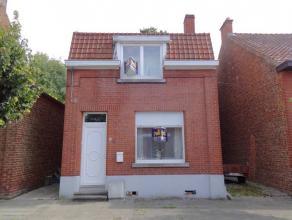 *** SOUS-OPTION ***Coquette maison 4 Façades, située dans une rue calme et proche de toutes les facilités,se composant comme suit
