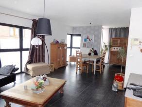 *** LOUÉ *** Idéalement situé, Superbe Appartement Duplexau premier étagede +/- 80m² très Lumineux. Celui-ci s