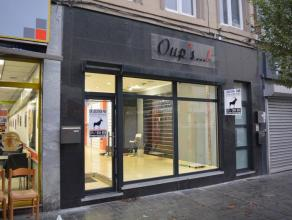 Excellente surface commerciale, dans la rue la plus fréquenter de Charleroi, ce commerce en plein centre ville vous ferra gagner un maximum d'a