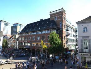 STADSAPPARTEMENT MET 1 SLK + TERRAS<br /> <br /> In het centrum van Hasselt, op de alombekende Grote Markt, en op  wandelafstand van verschillende res