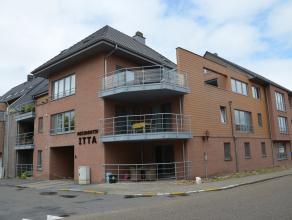 RECENT EN INSTAPKLAAR GELIJKVLOERS APPARTEMENT MET 2 SLK EN TERRAS<br /> <br /> Dit rustig gelegen appartement vinden we terug op het Bronplein 1 in L