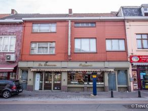 Prachtige bakkerij met ruim atelier en instapklaar appartement. Deze bakkerij bevindt zich vlakbij de Dampoort. Dit pand omvat een prachtige, ruime en