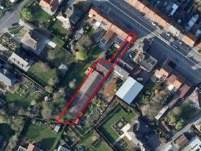 Loods van ca. 560 m² in het centrum van Ieper waar 20 parkeerplaatsen in onder gebracht zijn waarvan 18 reeds verhuurd. De loods kan dienst doen