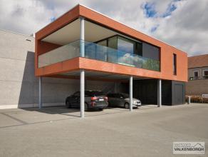 Steenweg op Wijchmaal 56-3: Nieuw ruim 2 slaapkamer appartement met mooi overdekt terras en garage.<br /> <br /> De volledige blok wordt apart verkoch