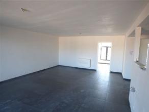 Dans lhyper-centre de Waremme, découvrez cet appartement de standing au 2 ième étage entièrement rénové avec