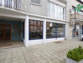 Dans le coeur de Waremme, venez découvrir cet appartement avec espace commercial situé au rez de chaussée ! Il est composé