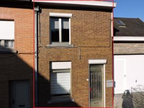Charmante, te moderniseren arbeiderswoning gelegen in het centrum van Geraardsbergen. De bescheiden grondoppervlakte van 80 m² werd optimaal benu