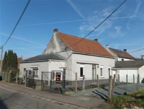 Commune: 7864 Deux-acren  Superficie: 5a 90 ca - +/- 158 m² habitables  Chambres: 3  Chauffage: Poêle et radiateurs gaz  Certificat &eacute