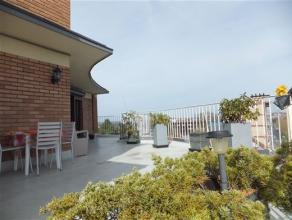 Commune: 7000 Mons  Superficie: +/- 180 m² dont 80 m² de terrasse  Chambres: 2  Terrasse tout autour de l'appartement  Certificat éne
