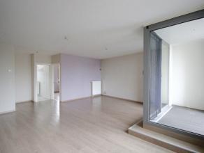 Bent u op zoek naar een tof appartement met 2 slpk in het centrum? Mis deze kans dan niet! Het appartement is gelegen op de tweede verdieping (met lif
