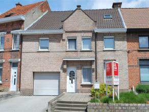 Toffe woning nabij het centrum van Temse. In 2000 werden twee kleinere woningen tot één grote woning verbouwd met onder andere een voort