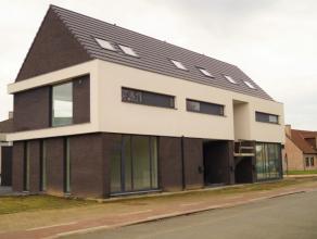 Handels-of kantoorruimte (40,5 m2) vlakbij het centrum van Lovendegem. Eigenaar werkt momenteel verder af (eventuele wensen van de huurder nog bespree