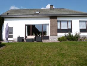 Deze open bebouwing situeert zich op een perceel van 1.320 m² nabij het centrum van Lovendegem. De woning is gelegen in een rustige verkaveling m