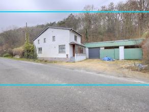 Kom nog meer details te weten op www.directverkoop.com , de 2D/3D plannen, onder referentie 35313. Alleenstaande woning met aangrenzend een overdekte