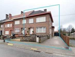 Kom nog meer details te weten op www.directverkoop.com onder referentie 37719. Mooie halfopen instapklare woning, 4 slaapkamers, garage, atelier (verg