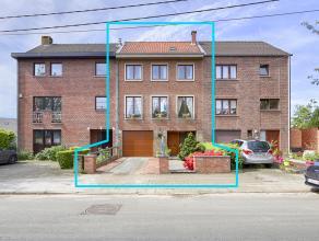 Découvrez le bien plus en détails sur vendredirect.com sous la référence 40626.<br /> Maison de +/- 185 m², tr&egrave