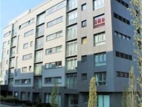 SCHAERBEEK / JOSAPHAT - Au 3e étage d'un immeuble récent, appartement 2 chambres, +/- 93 m², salon, cuisine full équip&eacut