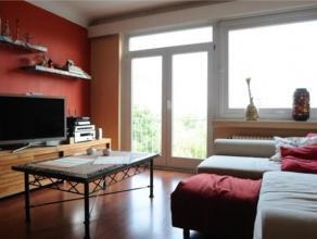 MEISER //DIAMANT // CEE // Charmant appartement 2 chambres MEUBLE de +/-100 m² composé de: hall de jour donnant accès au salon lumi