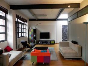 TOUR ET TAXI // CANAL // Superbe Loft design entièrement meublé et équipé se composant de: Hall d'entrée, living &p
