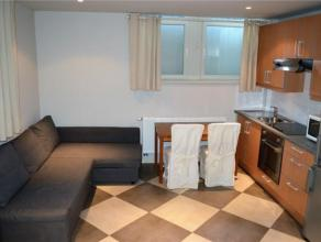 Quartier européen, sur la commune de 1000 Bruxelles. BK GROUP vous propose ce charmant rez-de-chaussée meublé à 5' de Schu
