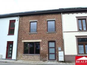 Bonne maison rénovée, comprenant un hall d'entrée, un local à aménager de 42m2, un coin buanderie, un living de 39m
