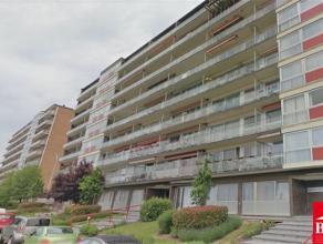 Grand appartement au centre ville situé à 200 mètres de l'hôpital de Tivoli, proche de toutes les commodités (Cora e