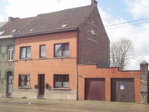 Cette grande maison est située à proximité immédiate du centre et des commerces de Braine-le-Comte. Actuellement am&eacute