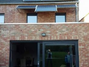 Belle maison construite récemment (2011) à vendre à Jemappes dans une rue tranquille avec toutes les facilités à di