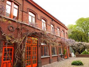 Charmant rustig gelegen appartement met 3 slaapkamers in het centrum van Leuven.<br /> Indeling: Inkomhal, grote leefruimte, ruim zonnig terras, keuke