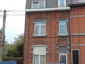 BRAINE-LE-COMTE, Rue de Mons 101, Maison de rapport en 3 appartements + 1 kot à rafraichir. Entresol: hall d'entrée, WC, salle de douche