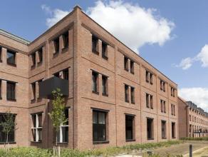 Spatieus en perfect onderhouden duplex-appartement in de residentie Van Oost. Het appartement bestaat uit inkomhall met vestiaire, living, terras, ope