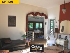 Située au calme, maison pleine de charme de +/- 160m² implantée sur un magnifique terrain de +/- 10 ares 95 ca orienté sud-o