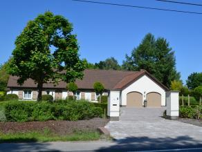 Instapklare villa met volledig aangelegde tuin, gelegen op 10min van R6 en AZ Imelda. Tegenover groene long Weyneshof.<br /> VRIJ BEROEP MOGELIJK !<br