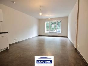 SITUATION Proche du centre de Tubize, une construction récente dans une résidence de standing, composée de 8 appartements sur 4 &