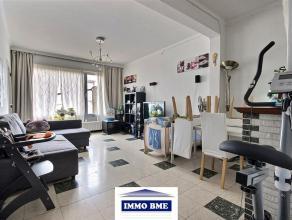 SITUATION Proche du centre de Tubize et de toutes les facilités, appartement 2 chambres, situé dans petit immeuble de 2 étages sa