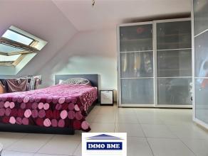 SITUATION: Très bel appartement moderne situé au deuxième étage d'un petit immeuble récent, situé proche des