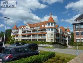 Prachtig 1 slaapkamer appartement met mooi tuintje in Residentie Denderhof, incl autostaanplaats. Dit prachtige appartement in hartje Erembodegem beva