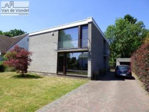 """Zeer rustig, prachtig gelegen villa op 7a70ca te Aalst! Deze strategisch gelegen villa ligt op wandelafstand van natuurgebied """"Gerstjens"""" en ligt in d"""